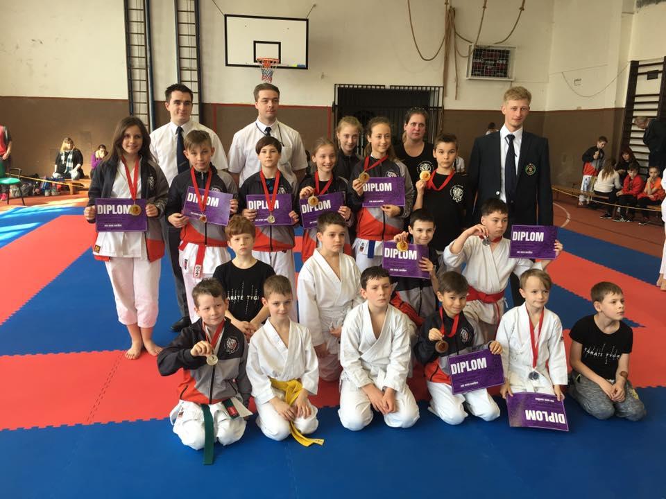 15 medailí pro karate tygr na Poháru Nadějí!